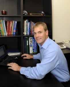 About Dr Steve Hutchins